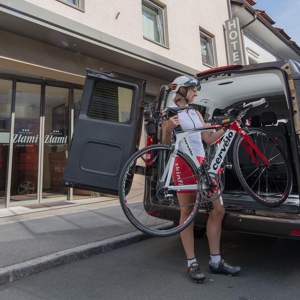 Ironman Austria Klagenfurt mit Ironman-Shuttle im Hotel Zlami-Holzer